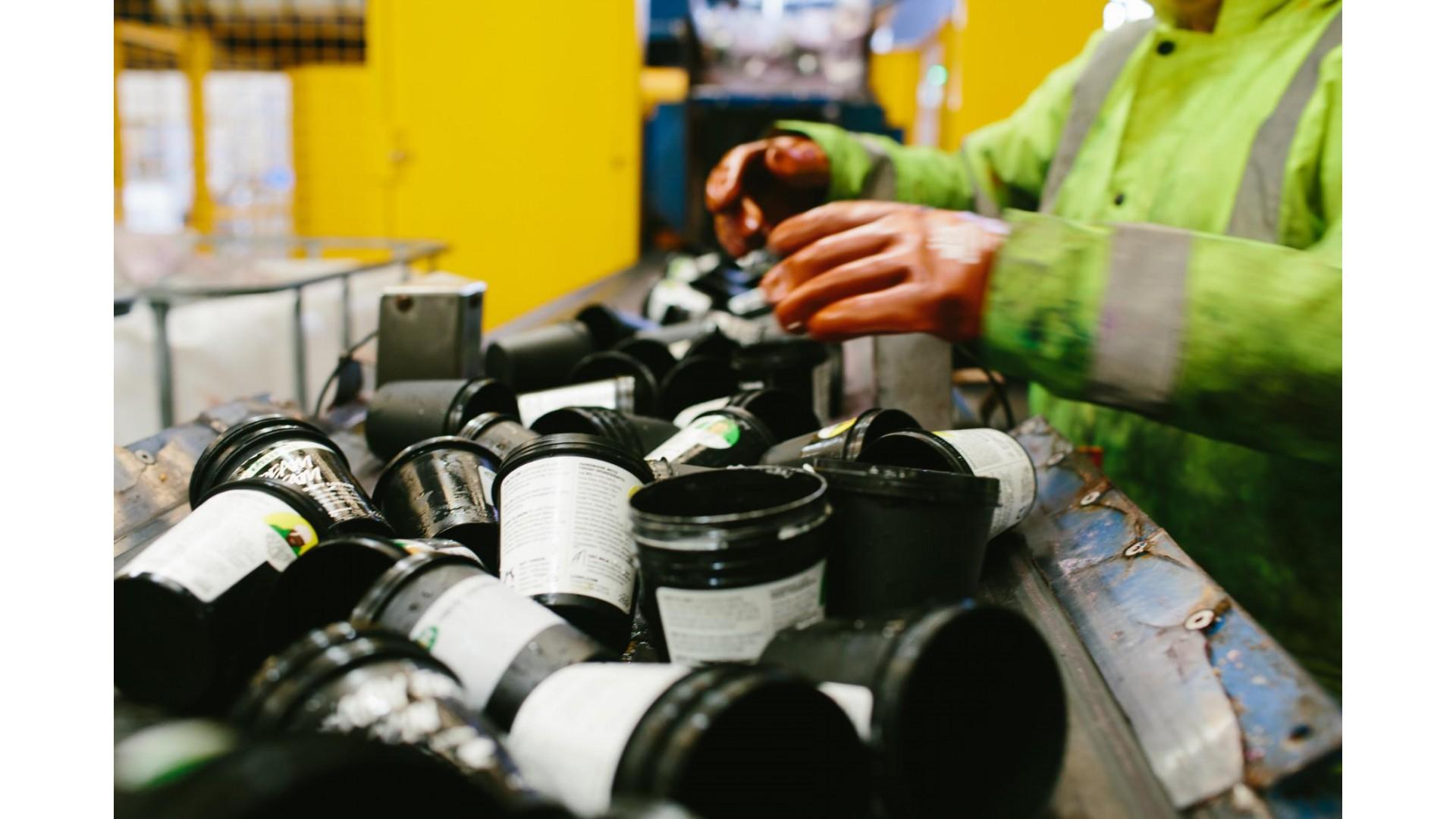 Recikliranje crnih posudica